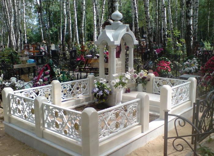 памятников из мрамора фото
